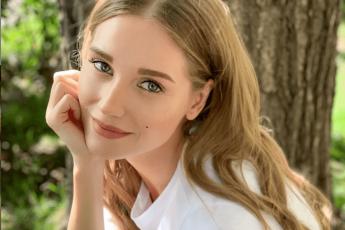 Улыбаться открыто я боялась»: Кристина Асмус рассказала о своем комплексе • СоцИнформБюро